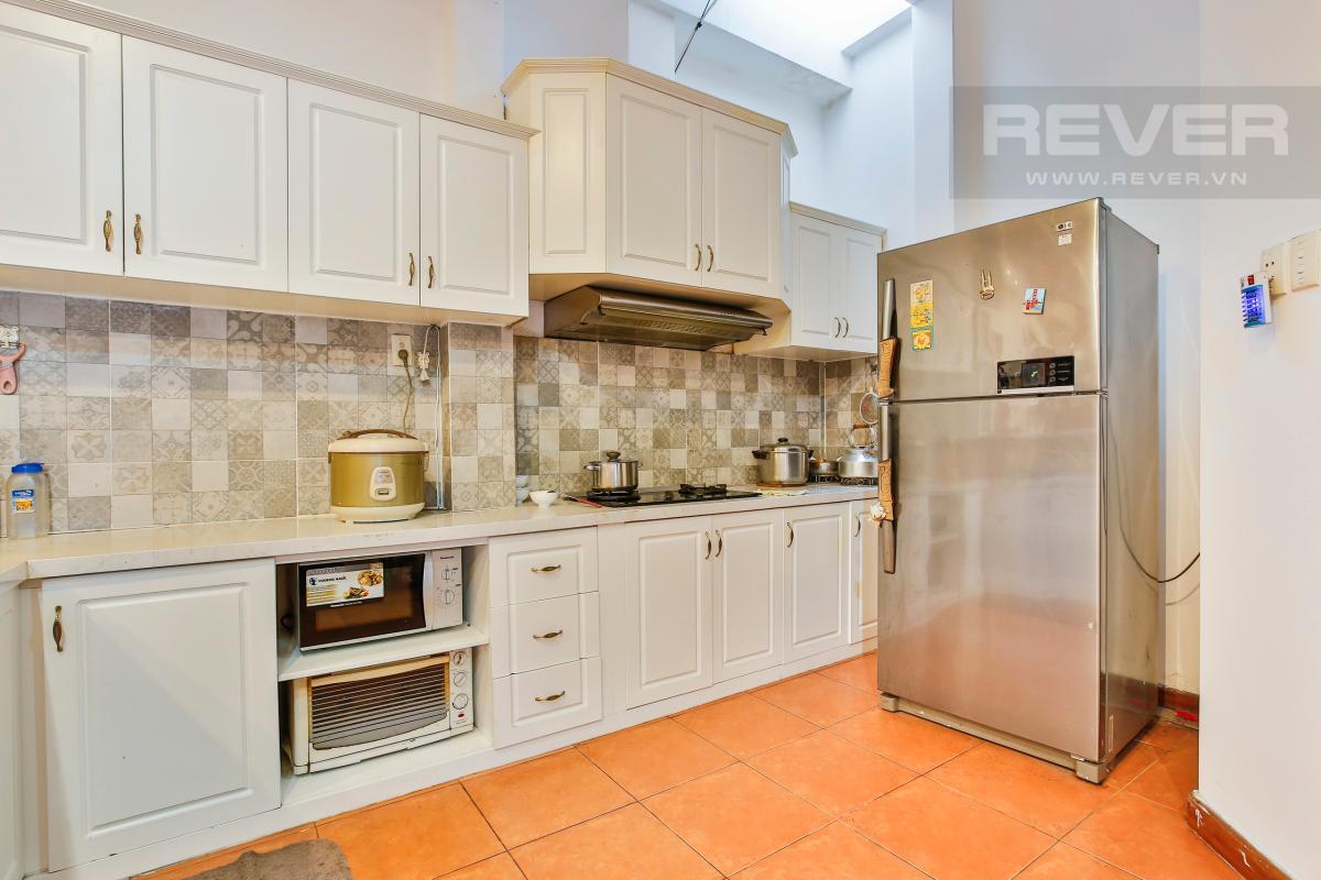 Phòng bếp đầy đủ tiện nghi Nhà 3 tầng Nguyễn Văn Đậu