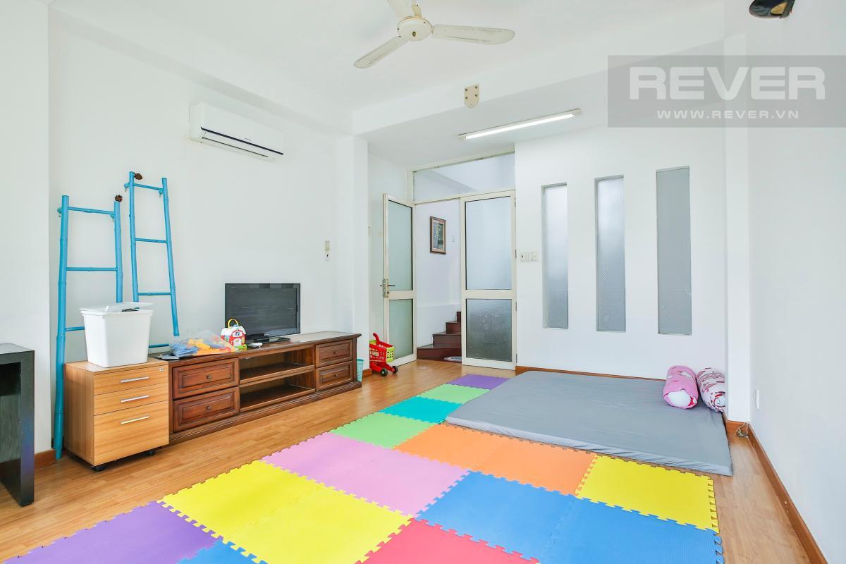 Phòng ngủ cho con trẻ Nhà 3 tầng Nguyễn Văn Đậu