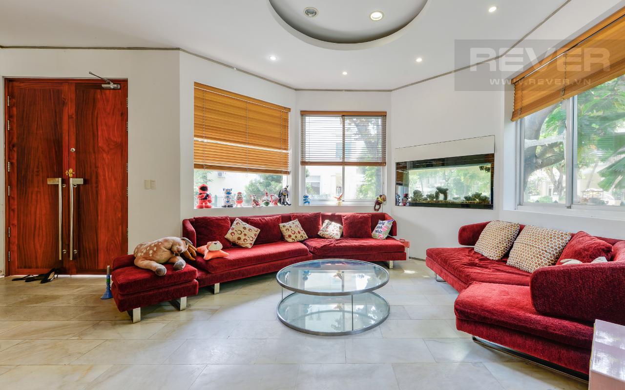 Phòng khách Villa 2 tầng có sân vườn hướng Đông Bắc Hưng Thái 2