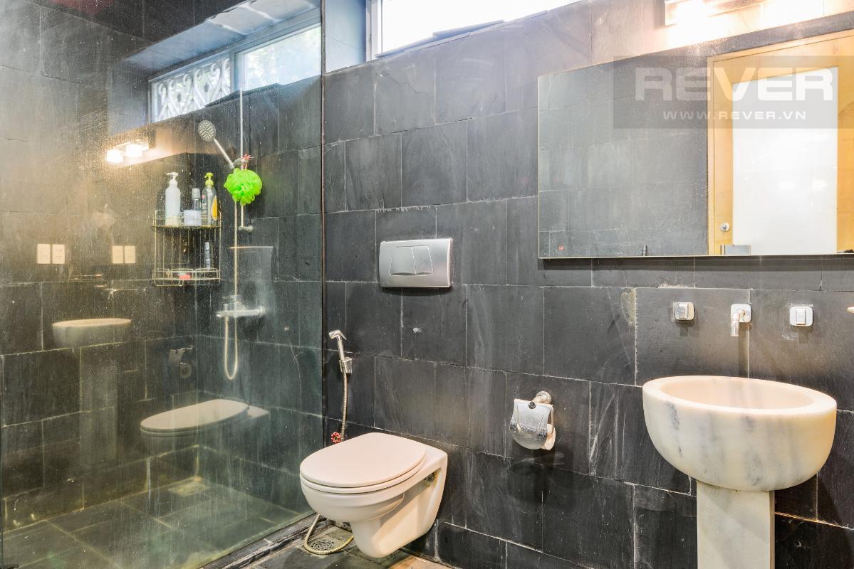 Phòng tắm sang trọng Villa 2 tầng có sân vườn hướng Đông Bắc Hưng Thái 2