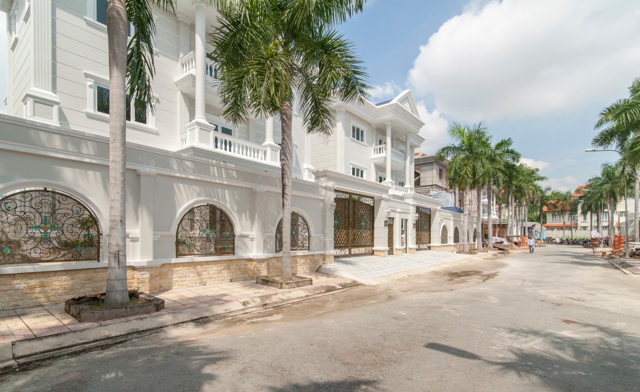 Đường nội bộ khu biệt thự Thảo Điền compound Villa 3 tầng Thảo Điền compound