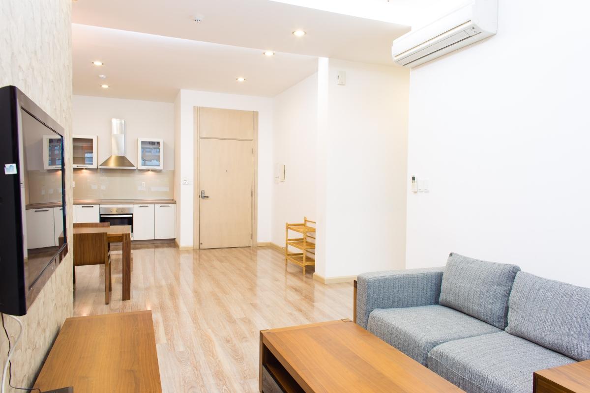 Cửa chính hướng Nam và khu bếp nhìn từ phong khách căn hộ SEM Residence Căn hộ hướng Bắc SEM Residence