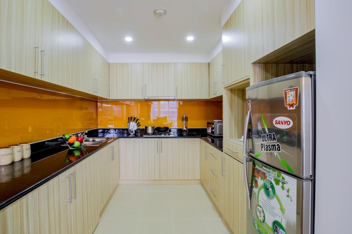 Phòng bếp hiện đại Căn hộ hướng Đông Bắc Võ Văn Tần
