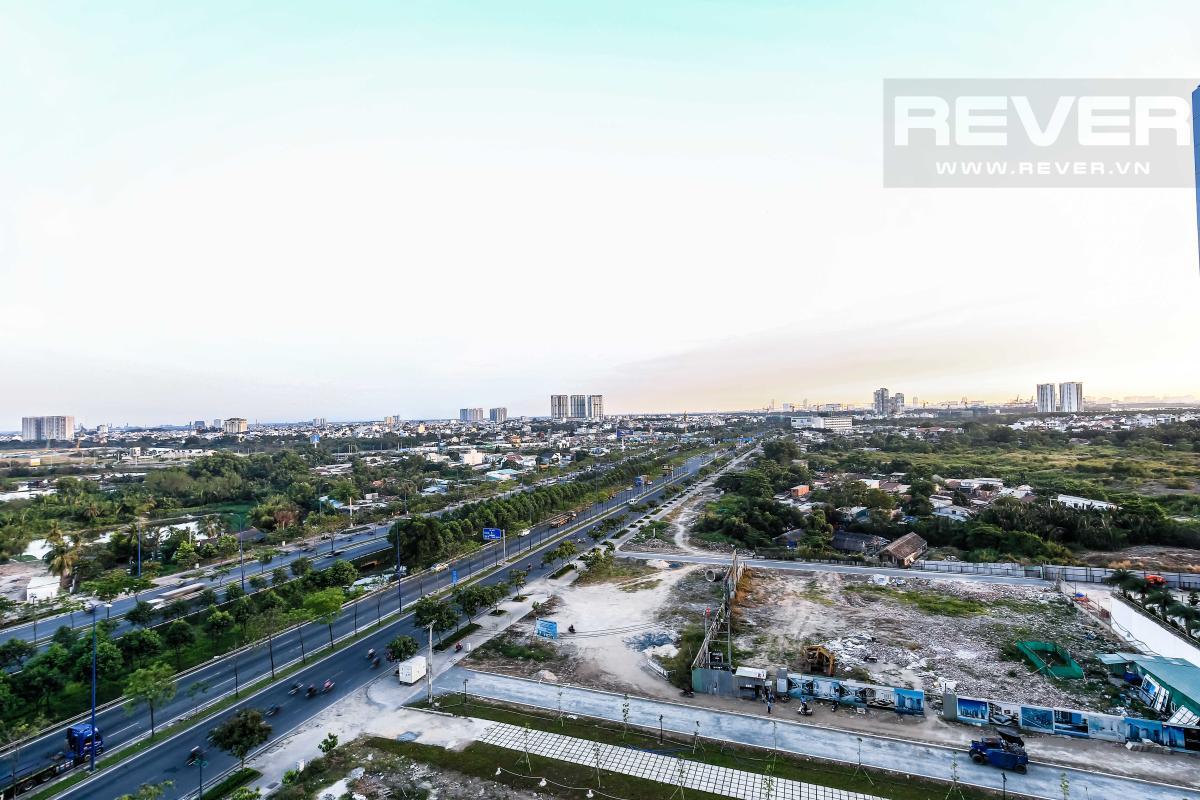 Cảnh quan xanh nhìn từ căn hộ Căn hộ hướng Nam tầng cao LA Lexington Residence