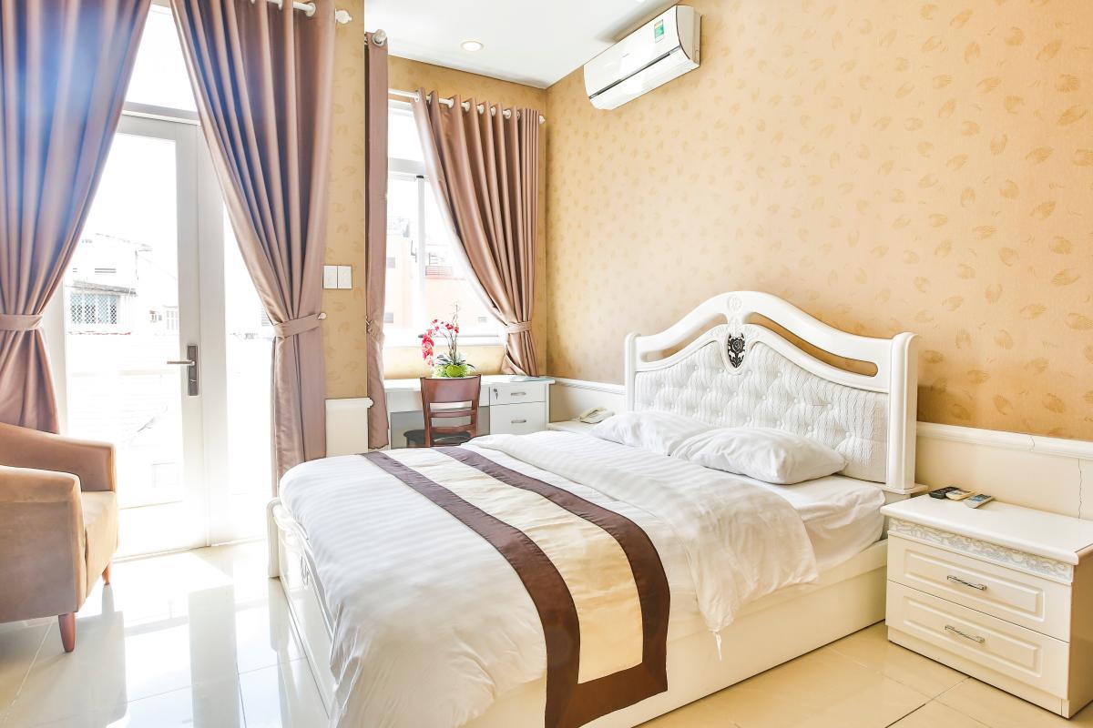 Giường ngủ sang trọng Căn hộ dịch vụ 55m2 Spring Apartment