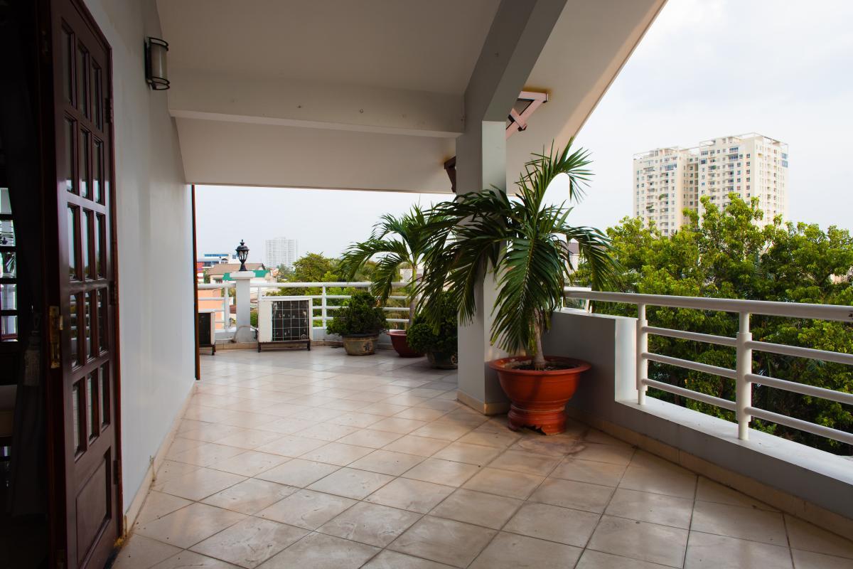 Ban công Villa 3 tầng đường Số 20 Linh Đông Thủ Đức