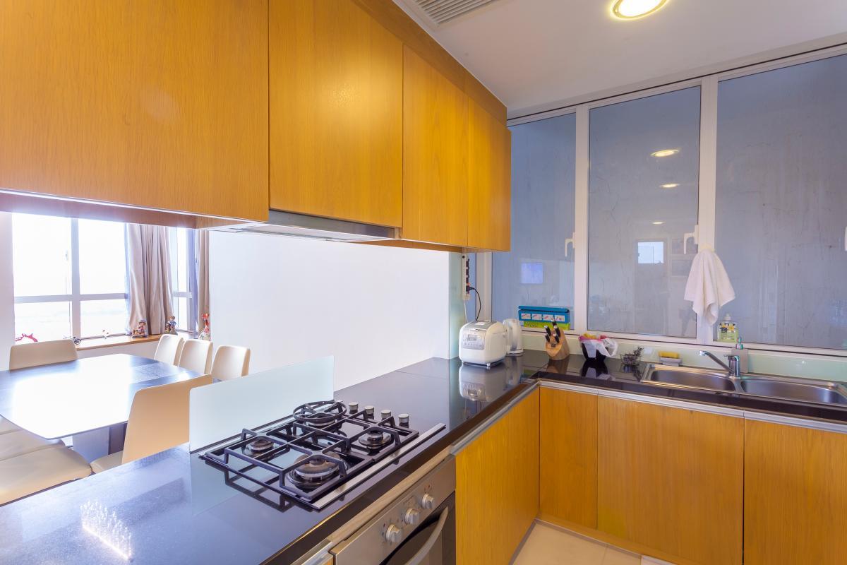 Phòng bếp Căn góc tầng cao V6 Sunrise City
