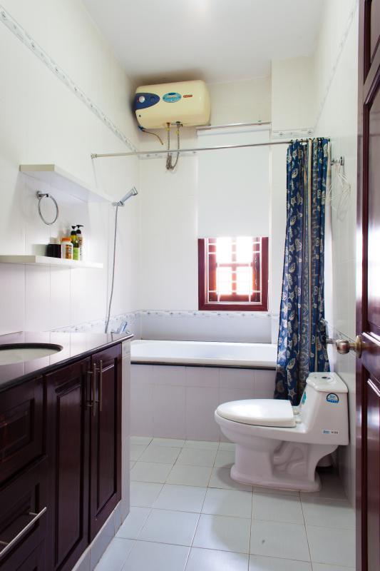 Phòng tắm phụ Villa 3 tầng đường Số 20 Linh Đông Thủ Đức