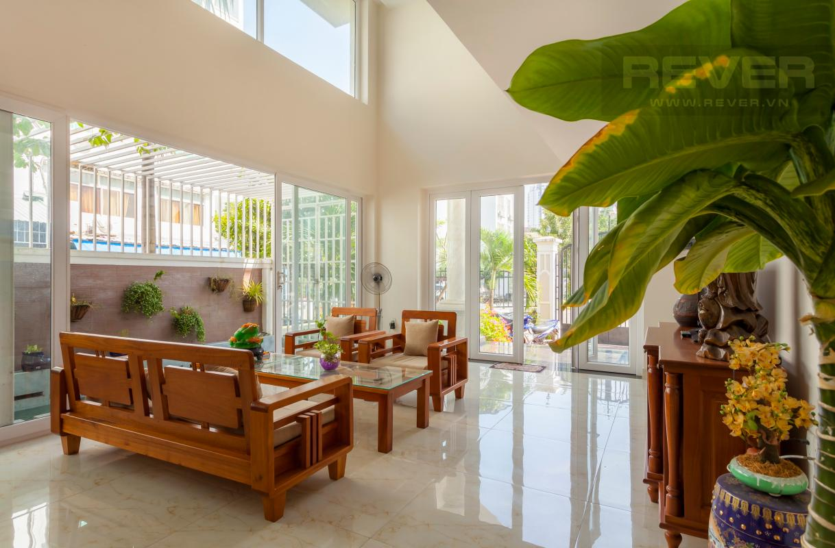 Phòng khách thoáng đãng Villa 3 tầng Đường Số 14 Hoàng Quốc Việt