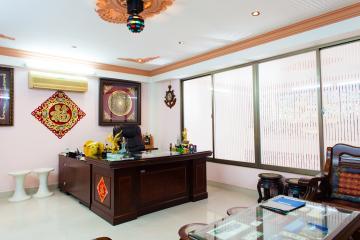 Nhà phố Nguyễn Văn Dung 4 tầng kiên cố 5