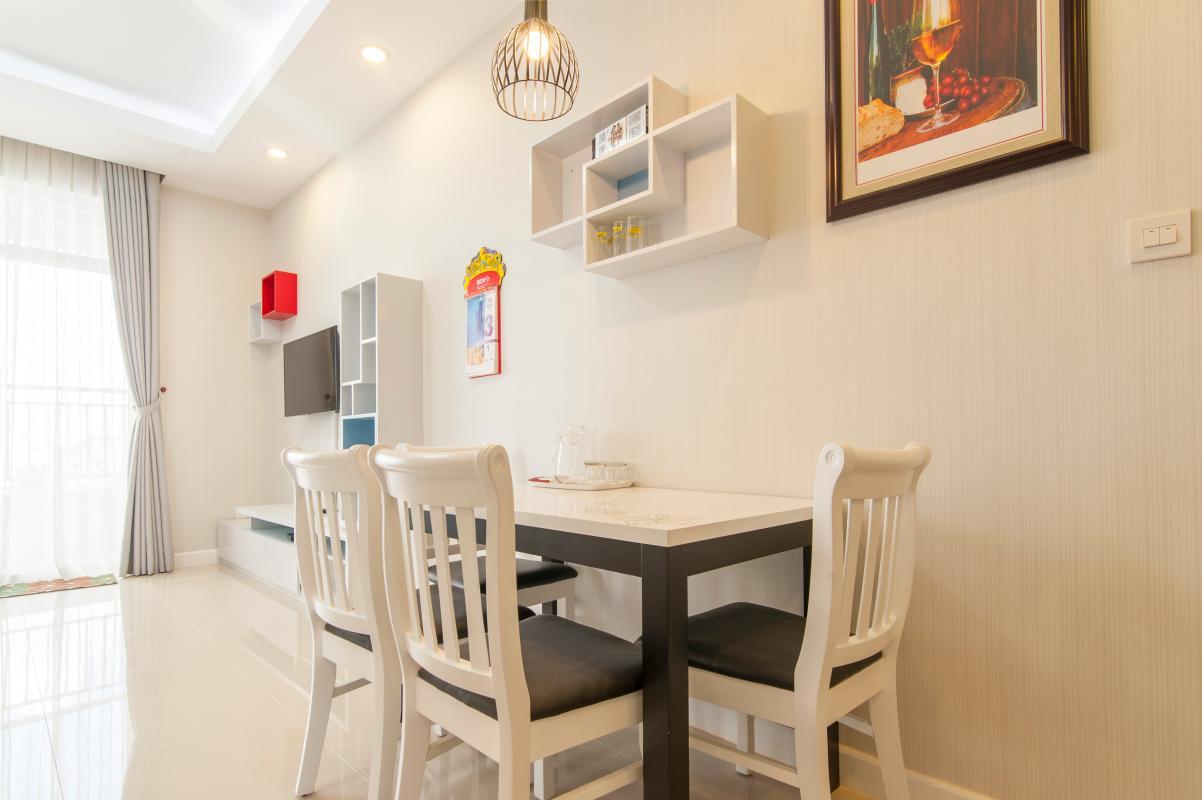 Bàn ăn đơn giản Căn hộ P2 Prince Residence 2PN đầy đủ nội thất