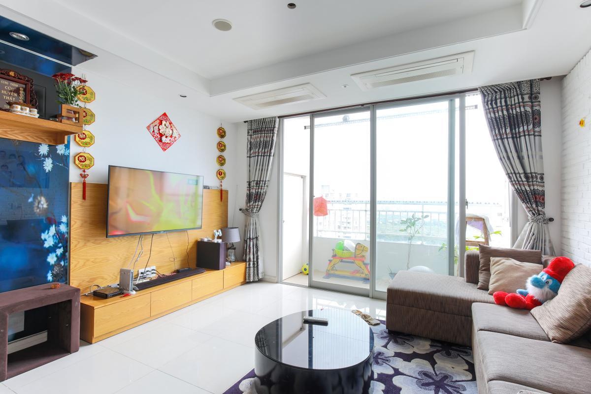 Phòng khách hướng Đông Nam Căn hộ tầng cao tháp D2 Cantavil An Phú