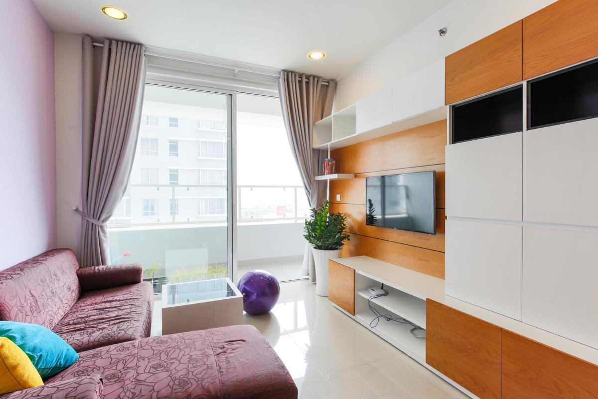 Phòng khách view nội khu Căn hộ tầng cao V4 Sunrise City