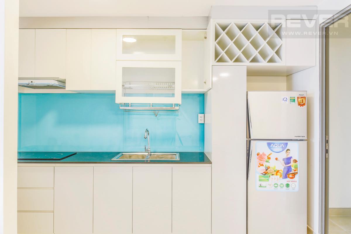 Phòng bếp hiện đại với màu trắng chủ đạo Căn góc hướng Đông Nam tầng cao T1A Masteri Thảo Điền