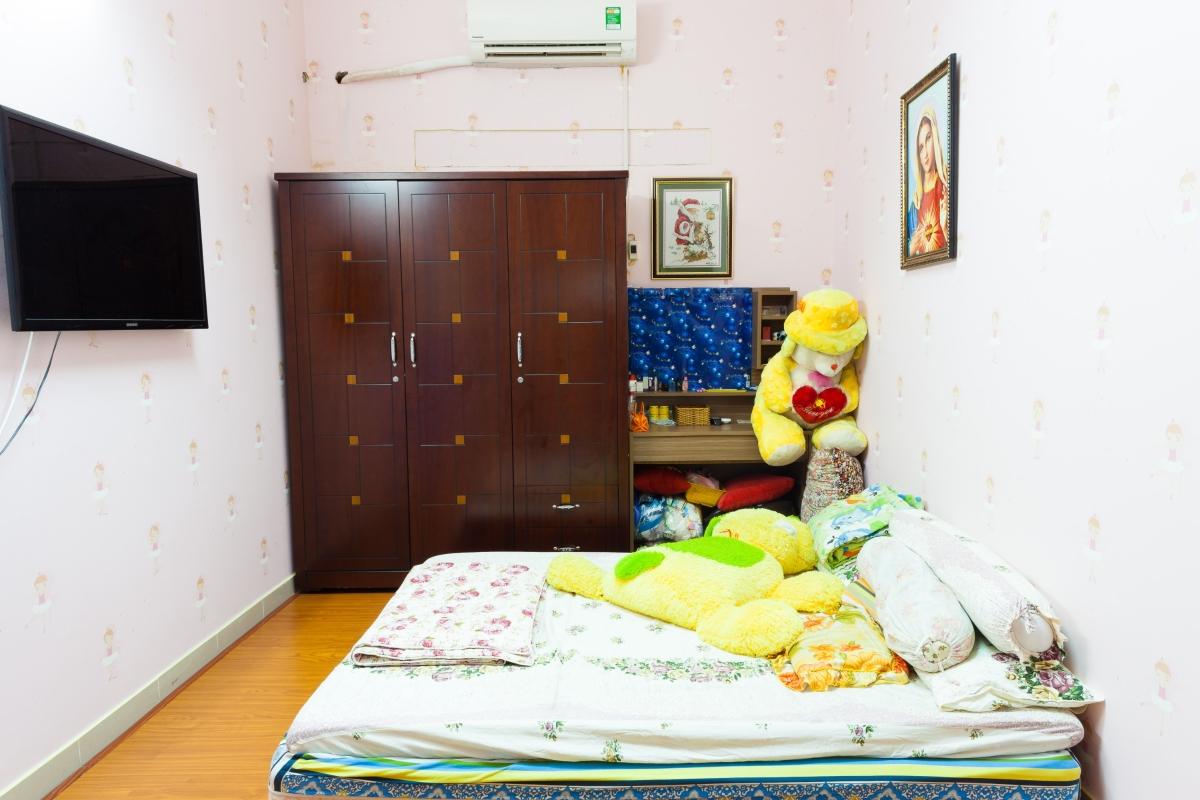 Nhà phố Lê Văn Lương xây dựng kiên cố, nội thất cao cấp