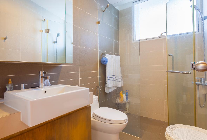 Phòng tắm Căn góc tầng cao V6 Sunrise City