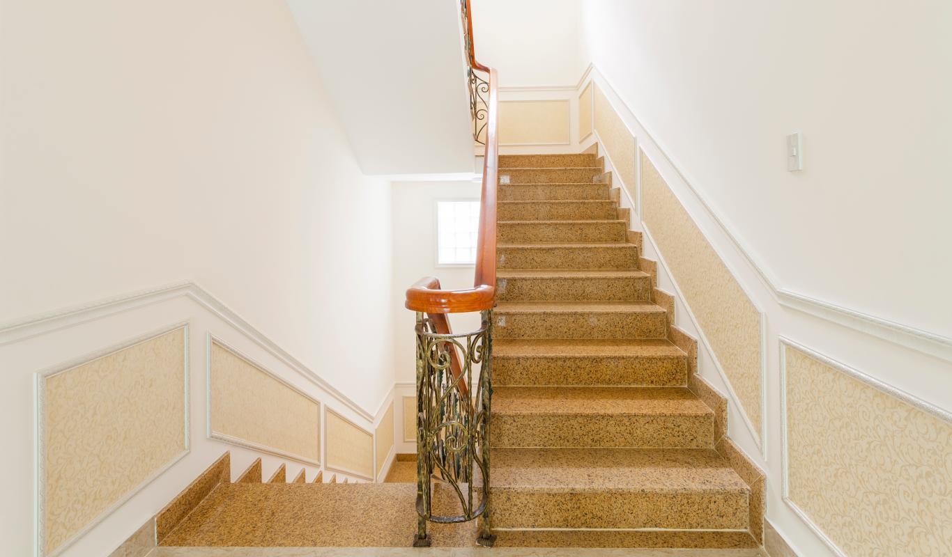 Cầu thang Villa 3 tầng Thảo Điền compound