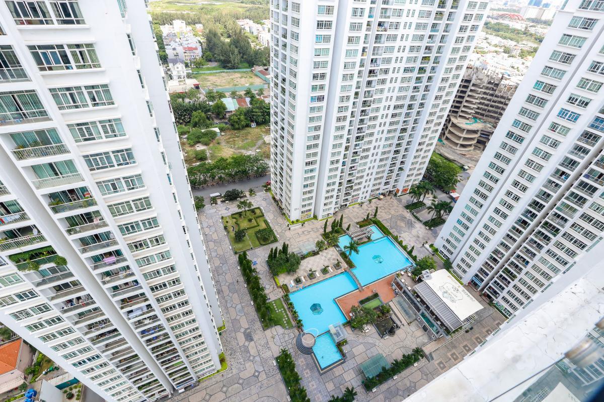 View hồ bơi Penthouse 4 phòng ngủ D1 The New Saigon