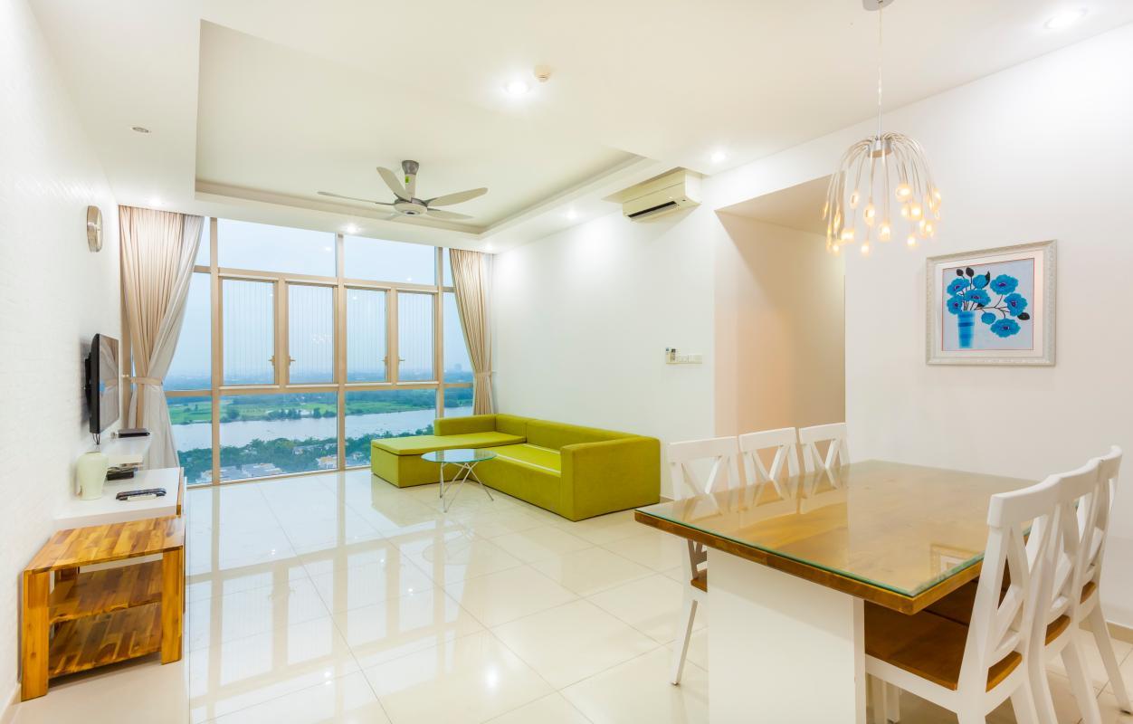 Phòng khách nhìn từ căn bếp Căn góc tầng cao tháp T4 The Vista An Phú