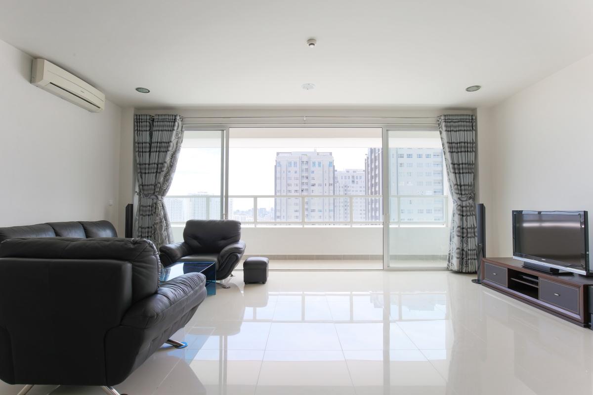 Phòng khách view nội khu Căn góc tầng cao tháp V3 Sunrise City