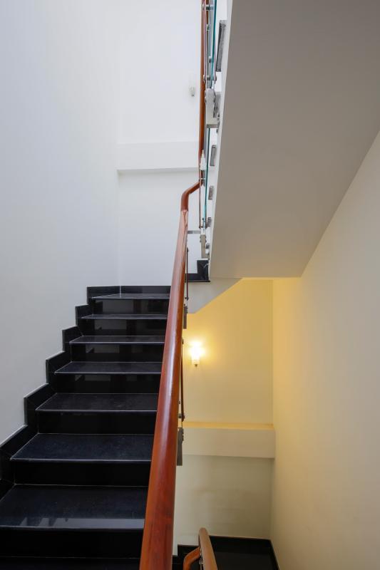 Cầu thang Nhà phố Nguyễn Khoái 4 tầng kiên cố