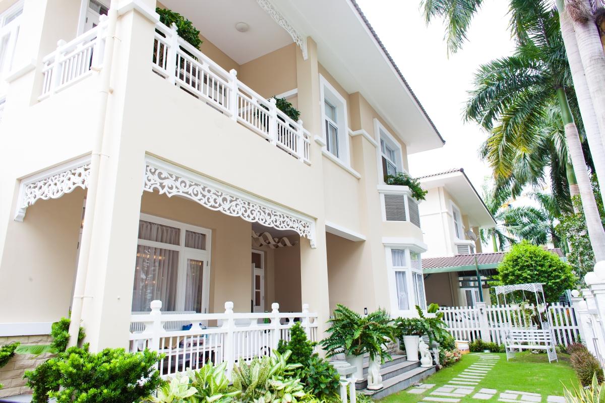 Sân vườn Villa 2 tầng đơn lập Mỹ Phú 1A