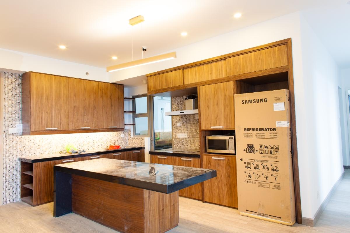 Phòng bếp với đầy đủ thiết bị hiện đại Căn góc tầng cao T5 Riviera Point