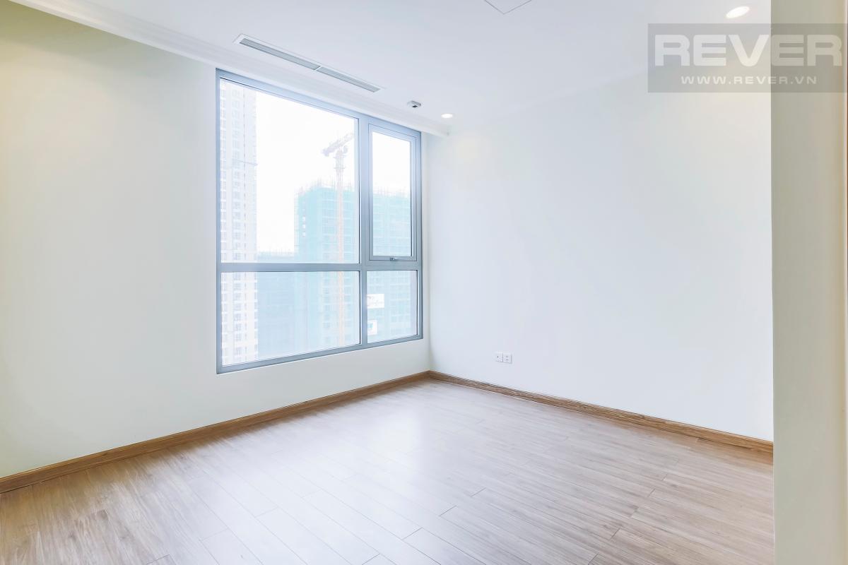 Phòng ngủ 2 Căn hộ hướng Nam tầng cao C3 Vinhomes Central Park