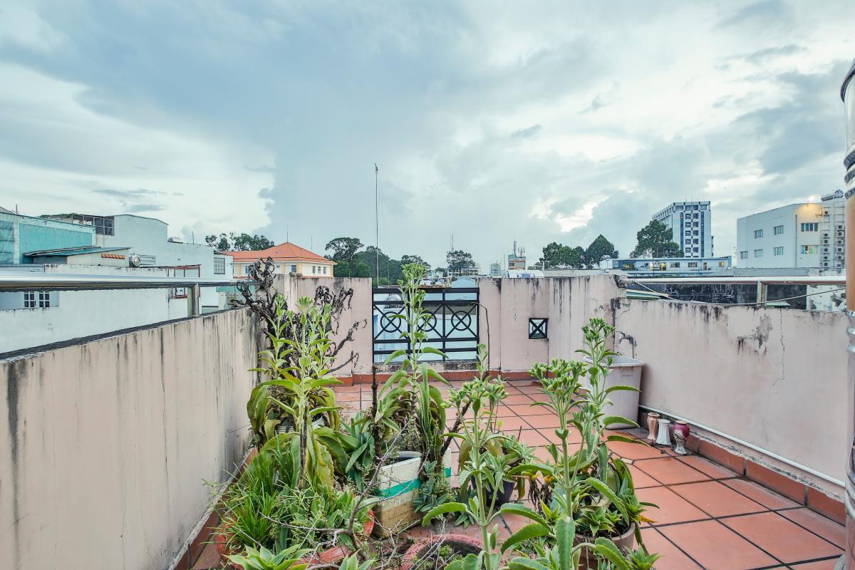 Sân thượng Nhà 3,5 tầng hẻm Trần Văn Kỷ Bình Thạnh