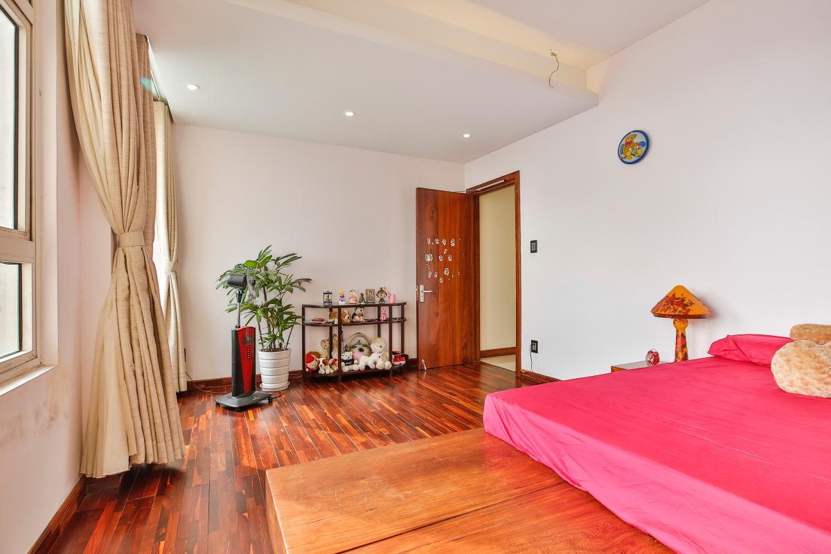 Nội thất phòng ngủ chính Penthouse hướng Nam Sapphire 1 Sài Gòn Pearl