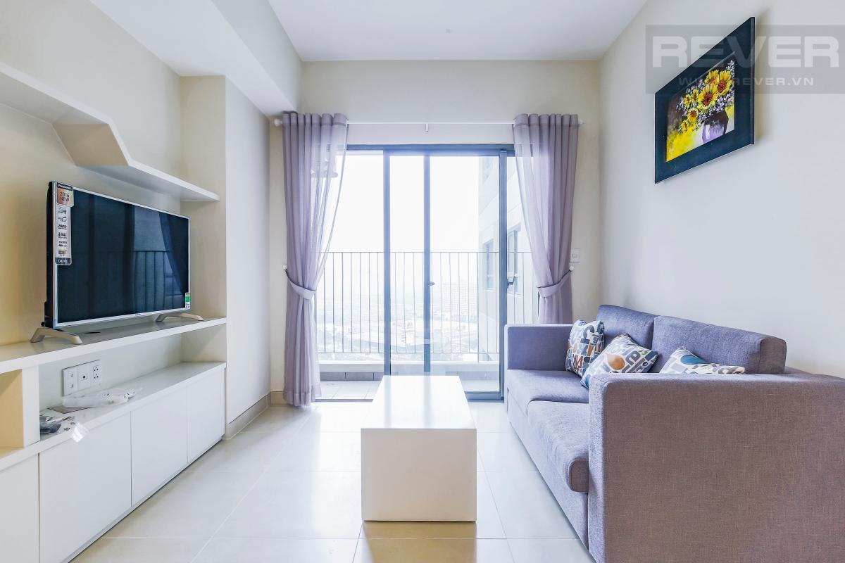Phòng khách với thiết kế nội thất trẻ trung Căn góc hướng Đông Nam tầng cao T1A Masteri Thảo Điền