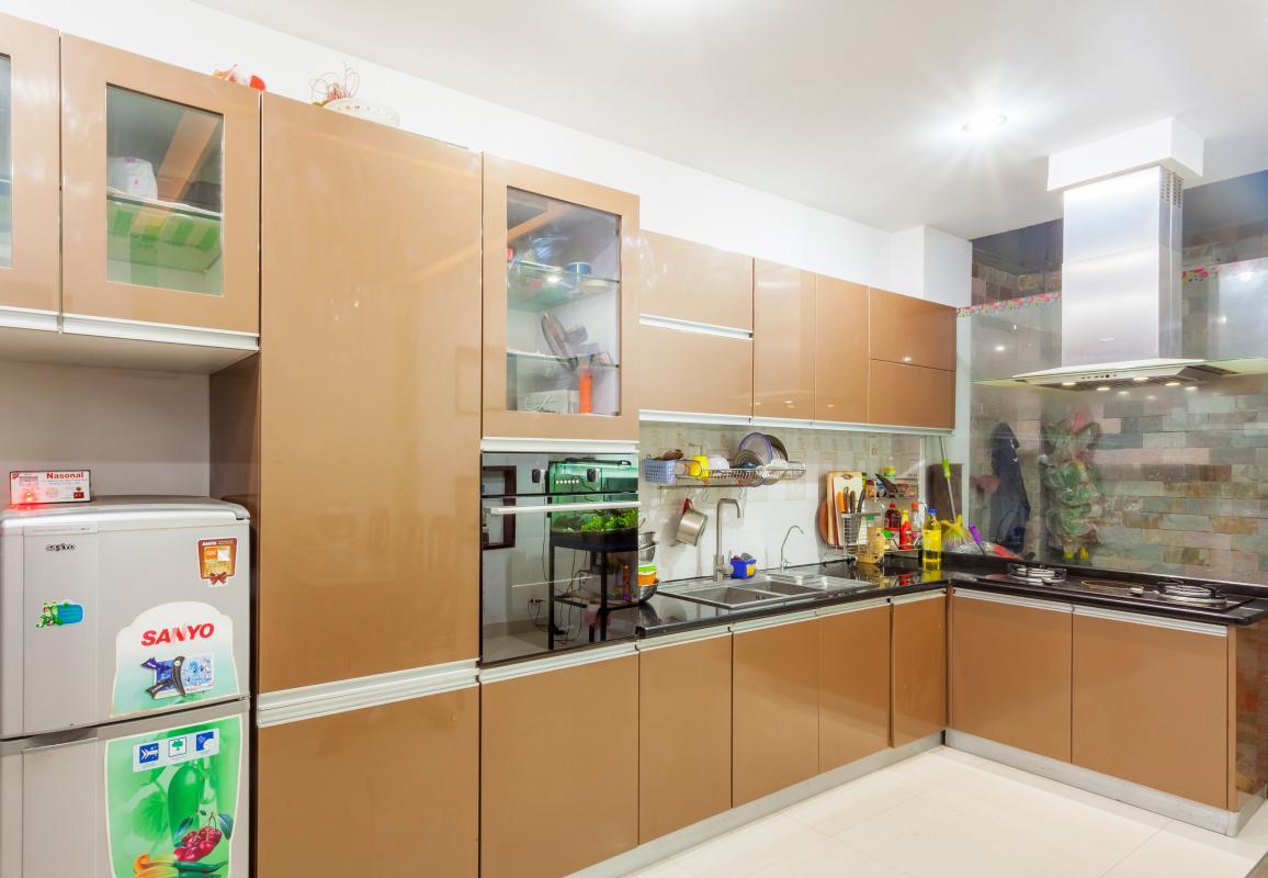 Nội thất phòng bếp sang trọng, hiện đại Nhà 5 tầng hướng Tây mặt tiền  Trần Văn Dư Tân Bình