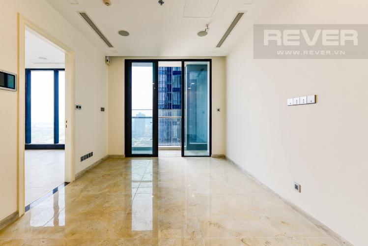 Phòng khách Bán căn hộ Vinhomes Golden River tầng cao, 2PN view sông, nội thất cơ bản