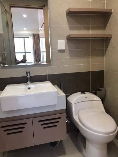 wc căn hộ 2 phòng ngủ the sun avenue Căn hộ The Sun Avenue tầng trung, nội thất đầy đủ.