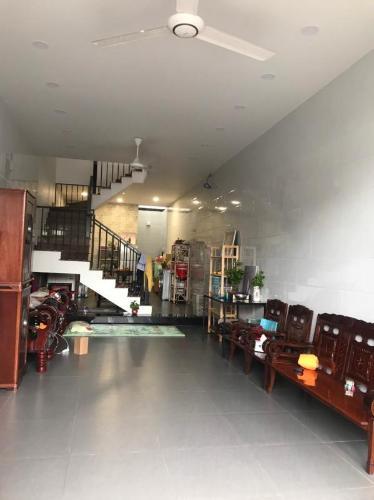 Bán nhà phố nội thất cơ bản đường 385 Tăng Nhơn Phú A