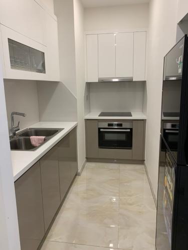 Phòng bếp căn hộ Vinhomes Golden River Bán căn hộ Vinhomes Golden River tầng cao, diện tích 45m2 - 1 phòng ngủ, đầy đủ nội thất.