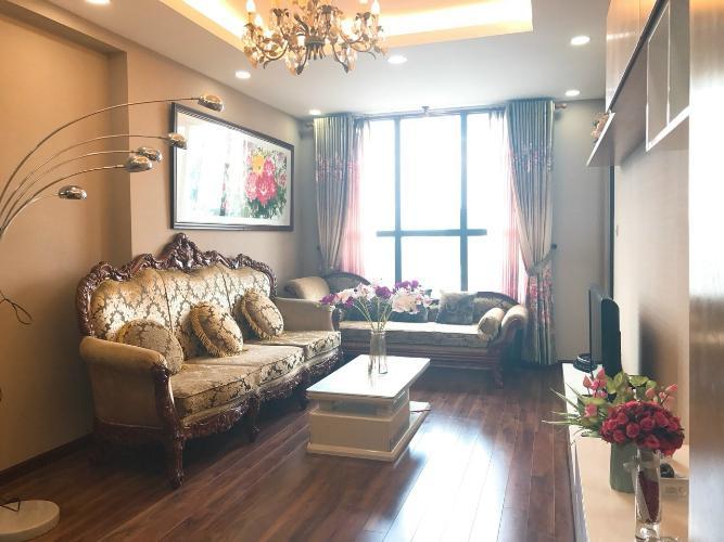 Phòng khách căn hộ Icon 56, Quận 4 Căn hộ Icon 56 tầng cao đầy đủ nội thất, view sông thoáng mát.