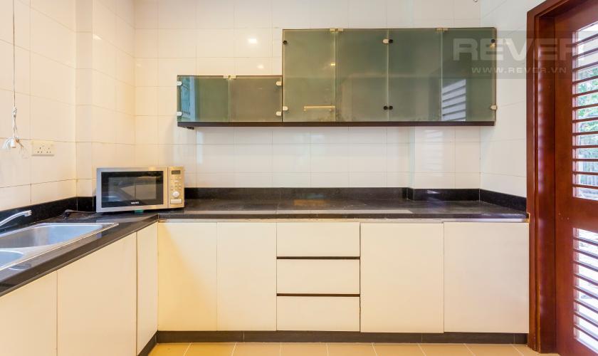 Nhà bếp Villa Compound Riviera Quận 2 thiết kế sang trọng, đầy đủ tiện nghi