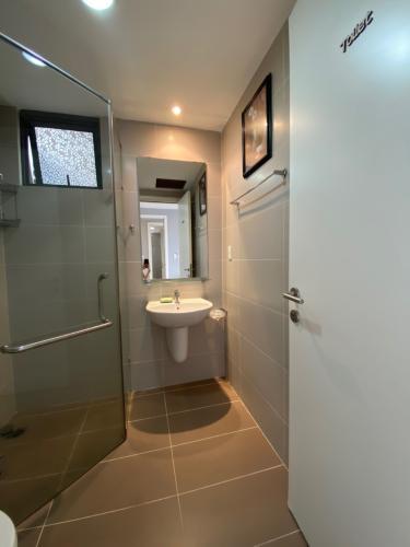 Phòng tắm căn hộ An Gia Riverside quận 7 Căn hộ tầng cao An Gia Riverside nội thất đầy đủ, view sông.