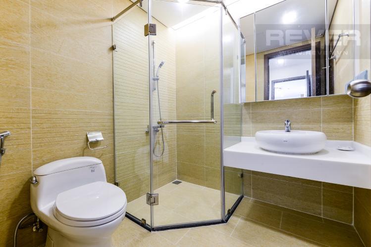 Phòng tắm 2 Căn hộ Vinhomes Central Park tầng cao 2PN nội thất cơ bản
