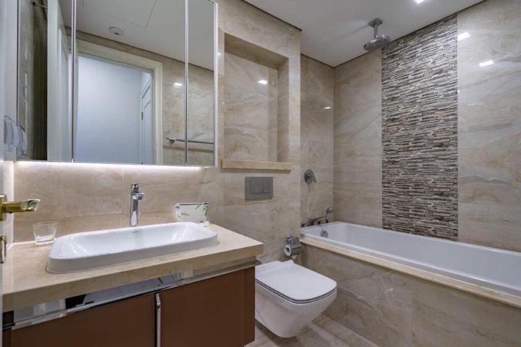 Toilet Căn hộ Vinhomes Golden River Ba Son Cho thuê căn hộ Vinhomes Golden River tầng 34, đầy đủ nội thất, view thành phố và Landmark 81
