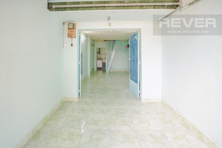 Sân Trước và Phòng Khách Bán nhà phố 2 tầng, phường Tân Thuận Tây, Quận 7, sổ hồng chính chủ