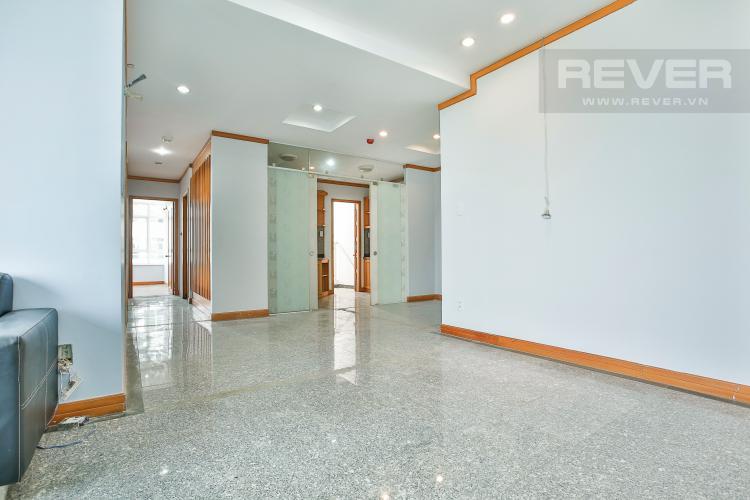 Phòng Khách Căn góc Phú Hoàng Anh 3 phòng ngủ tầng trung tòa B2 nội thất cơ bản