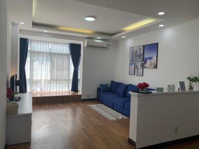 Bán căn hộ Sky Garden 3PN, diện tích 88m2, đầy đủ nội thất, lót full sàn gỗ