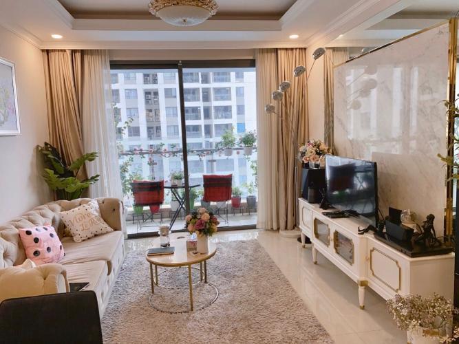 Phòng khách Bán căn hộ The Gold View thuộc tầng trung, diện tích 80.7m2
