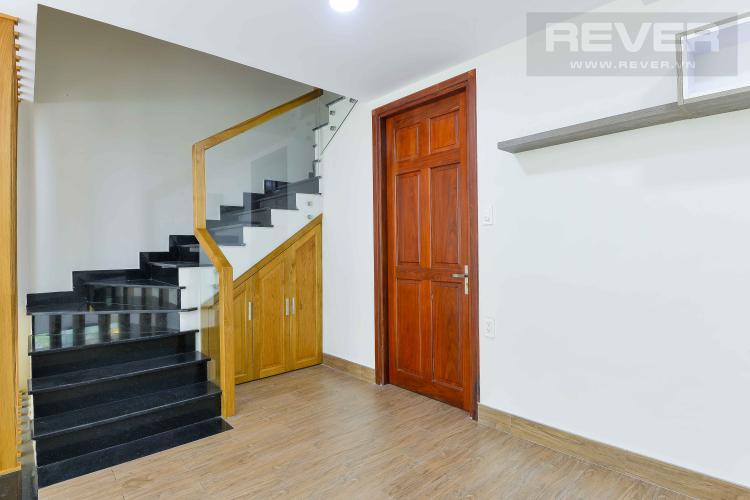Lầu 1 Cho thuê nhà phố biệt lập trong Khu dân cư Mega Residence, đầy đủ nội thất