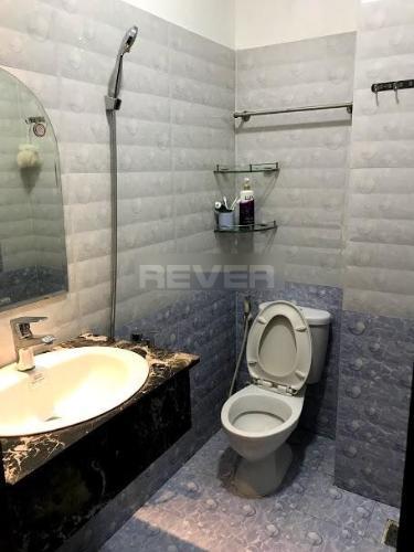 Nhà vệ sinh nhà phố Tăng Bạt Hổ, Bình Thạnh Nhà phố hẻm Bình Thạnh hướng Tây Nam, nội thất đầy đủ.