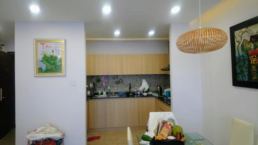 Phòng bếp Kingston Residence, Phú Nhuận Căn hộ view thoáng mát Kingston Residence đầy đủ nội thất.