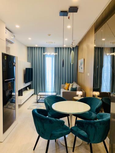 Cho thuê căn hộ Saigon Royal 1 phòng ngủ, tầng 23, tháp A, đầy đủ nội thất, hướng Tây Bắc