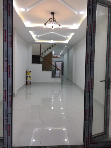 Bán nhà hẻm Bến Vân Đồn, phường 2, Quận 4, sổ hồng, không nội thất